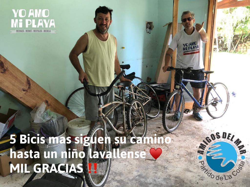 Entrega de bicis donadas