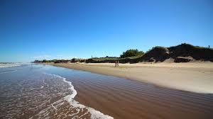 Científicos del CONICET aseguran que La Costa Atlántica pierde dos metros de playa por año